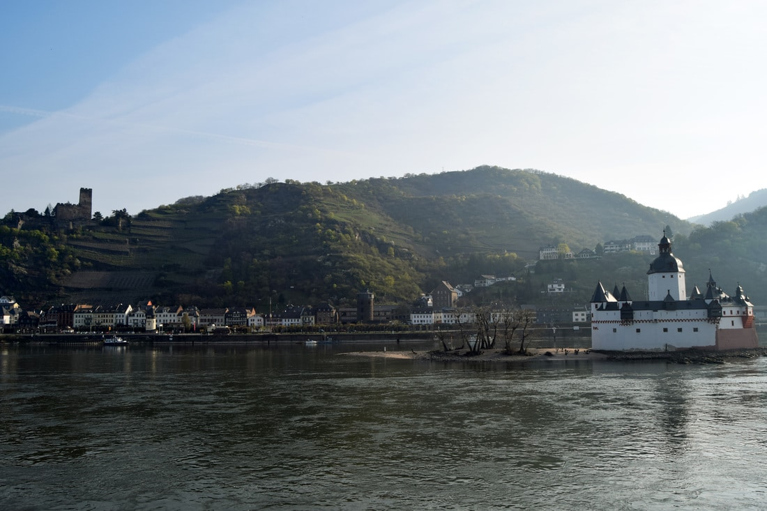 Photo of Castle Pfalzgrafenstein in the middle of the Rhine. See how to visit Rhine Valley on a budget.