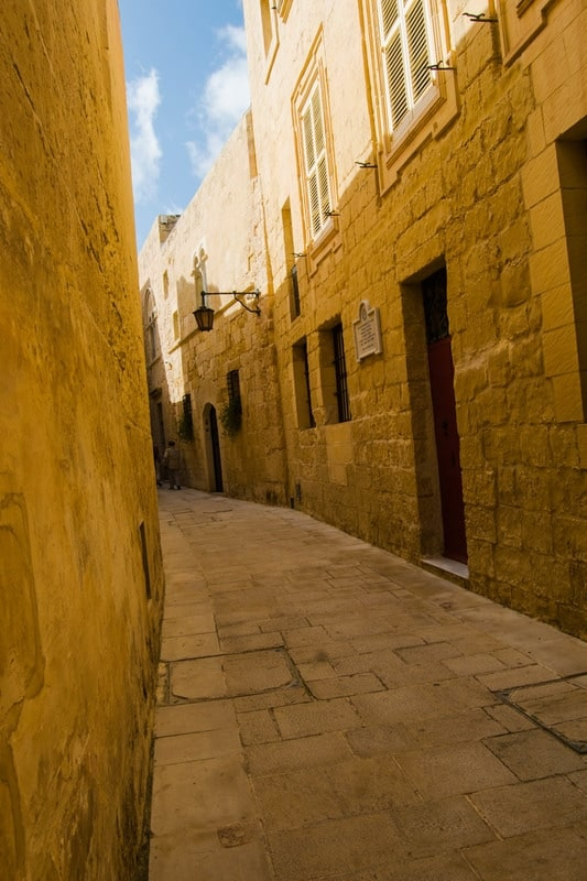 Love Game of Thrones? Read about the Game of Thrones filming locations in Malta and an independent review of the Game of Thrones tour in Malta with travel photo inspiration!