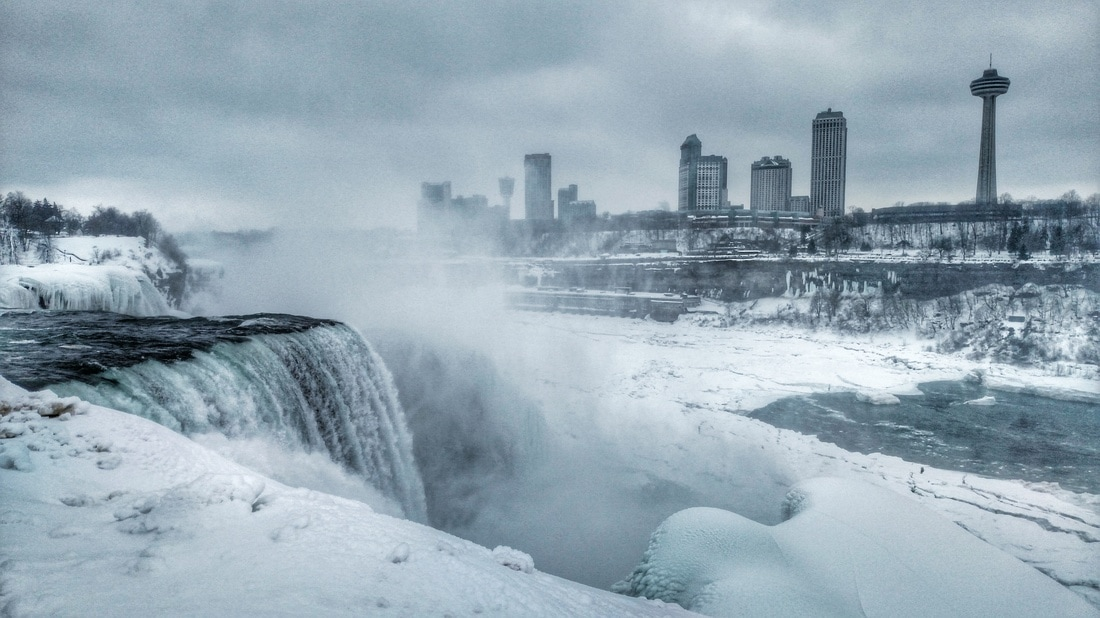 Should you visit Niagara Falls in winter? Find out how to get to Niagara Falls from New York!