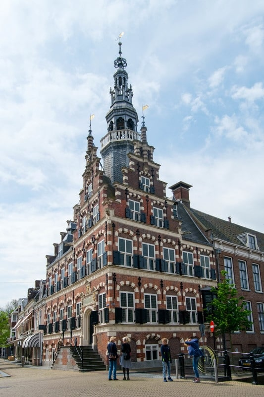 Photo of the City Hall of Franker, one of the eleven cities of Friesland. One of the best things to do in Friesland.