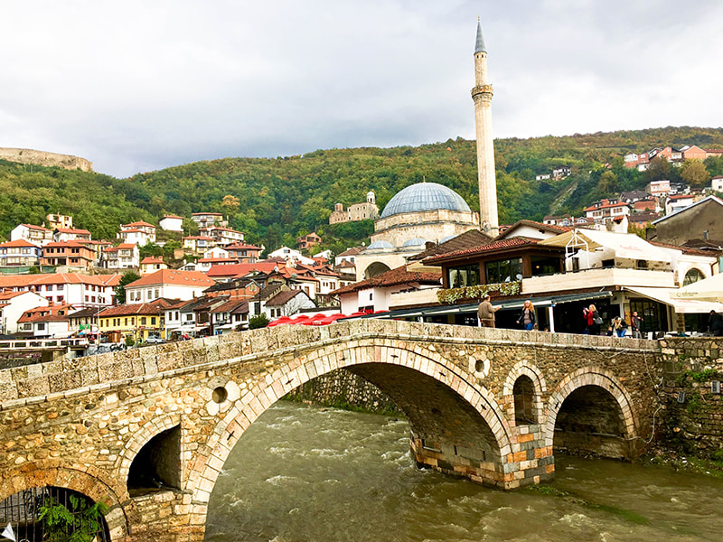 The Stone Bridge, the famous bridge of Prizren. Read the must-see sites in Prizren and top attractions in Kosovo!