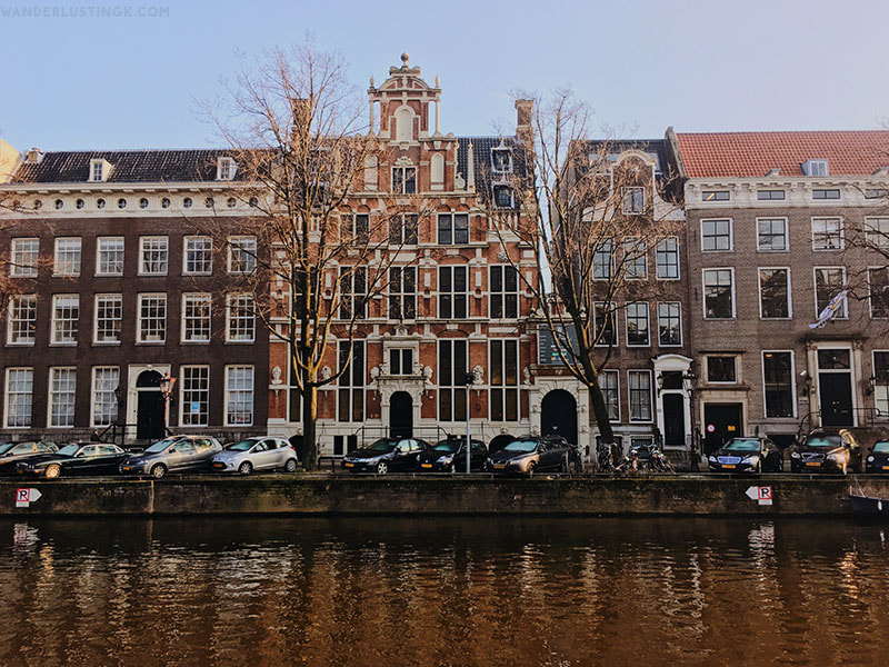 Planning one day in Amsterdam? Your perfect 24 hour itinerary for Amsterdam by a resident. Comes with a map for a self guided walking tour of Amsterdam.