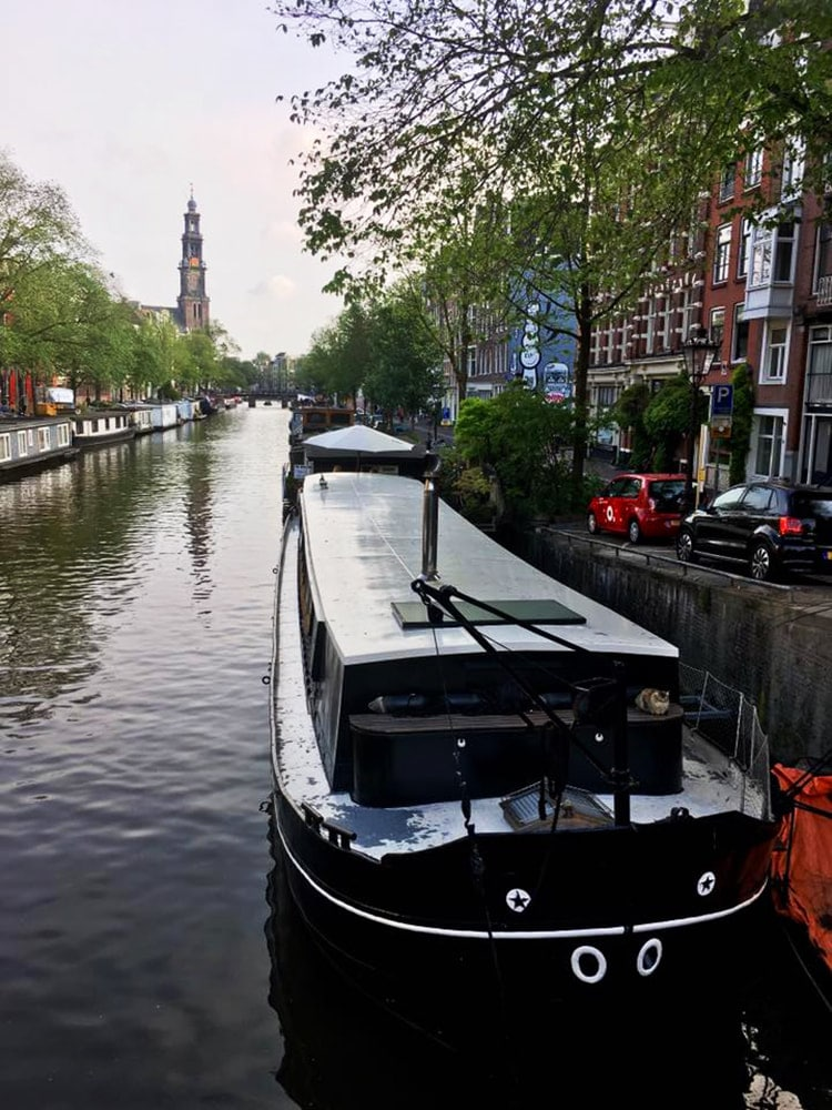 Planning your dream trip to the Netherlands? Tips on how to cut back on costs to save for travel with 30+ money saving tips on how to save for travel! #travel #money #budget #savefortravel