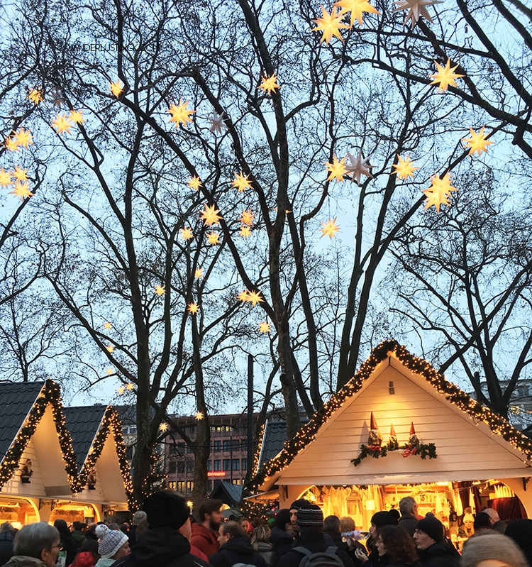 Photo of Markt der Engel in Köln, deutschland. Read about the Angel Market in Cologne and why this is the cutest Christmas market in Cologne.