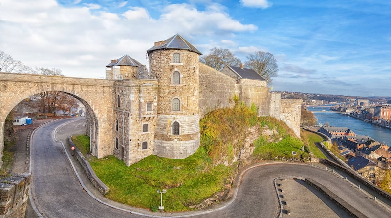 Photo of fortress in Namur, one of the iconic sights of Wallonia. See why you should visit Wallonia when you visit Belgium with the best places to visit in Wallonia Belgium!