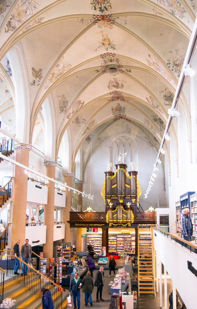 Inside Waanders in de Broers, one of the most beautiful bookstores in the world. This church turned bookstore is a hidden gem in the Netherlands. #Travel #Bookstores #Netherlands #Zwolle