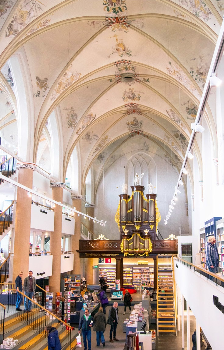 Inside Waanders in de Broers, one of the most beautiful bookstores in the world. Only 40 minutes from Amsterdam. #Travel #Bookstores #Netherlands #Zwolle