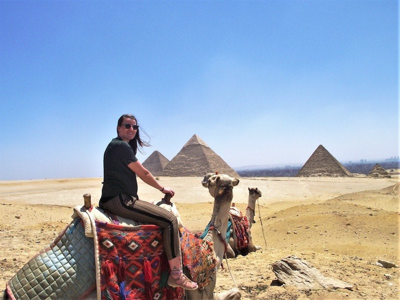 Photo of Western female traveler in Egypt. Read about what to wear in Egypt and how to dress appropriately in other Muslim countries.