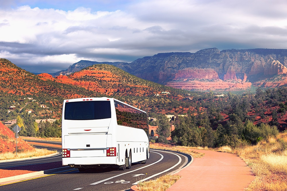 Photo of travel by bus in the US. Read tips on what to know before doing bus travel in the United States, reviews of bus companies in the US, and what to pack for an overnight bus journey.