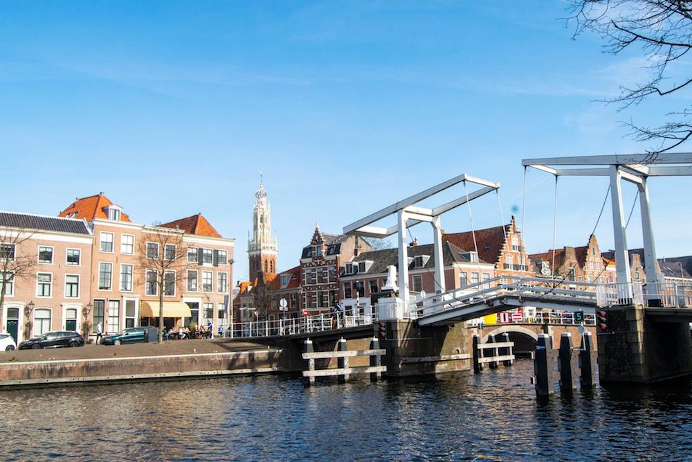 Planning to take a day trip from Amsterdam to Haarlem? Tips on the best things to do in Haarlem for one day in Haarlem. Includes a complete guide to Haarlem, a charming day trip from Amsterdam.