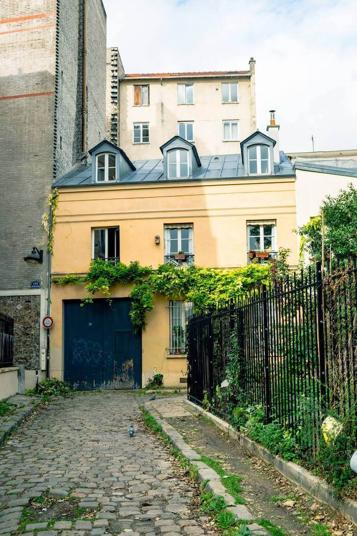 Cite Bauer in the 14th arrondissement of Paris. Read about things to do in the 14th arrondissement and secret streets you'll want to see! #Paris #France #travel #Europe