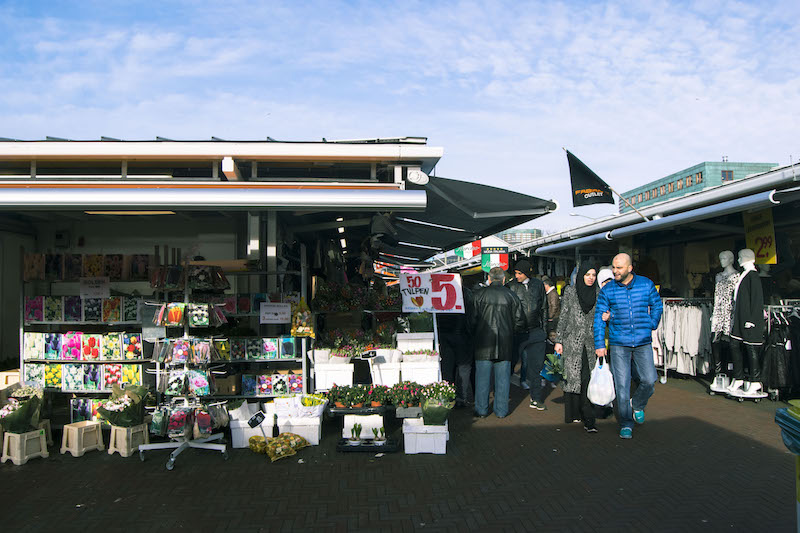 Photo of the Haagse Markt, one of the markets in the Hague. Read the perfect itinerary for the Hague with tips on what to do during one day in the Hague when taking a day trip from Amsterdam to the Hague. #thehague #holland #travel