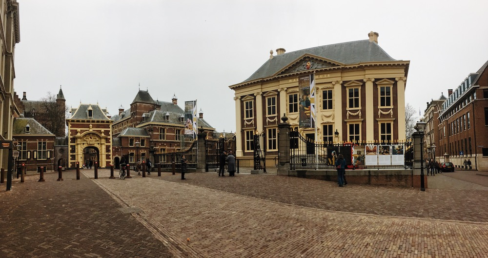 Visiting Holland? The best things to do in the Hague written by a resident with 30+ tips on what to do in the Hague!