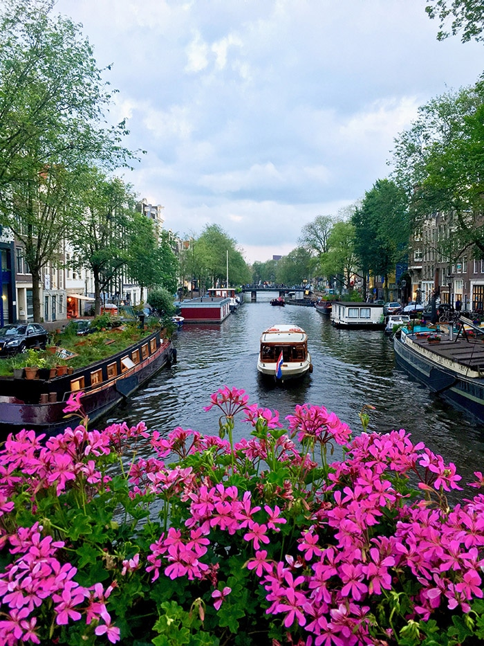 Canal in Amsterdam. Planning your holiday to Amsterdam? Your perfect itinerary for Amsterdam, including what to do in three days in Amsterdam! #amsterdam #netherlands #travel #europe