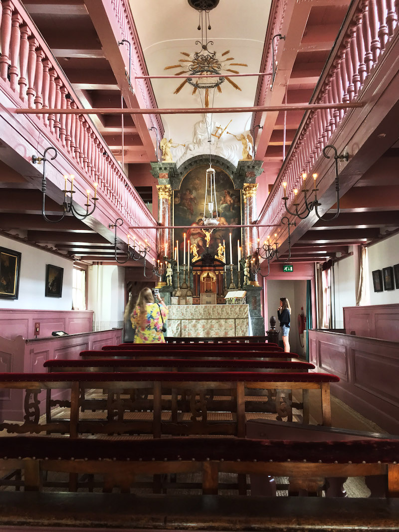 Secret church in Amsterdam. Read the perfect itinerary for Amsterdam written by a resident! #travel #amsterdam #netherlands #europe