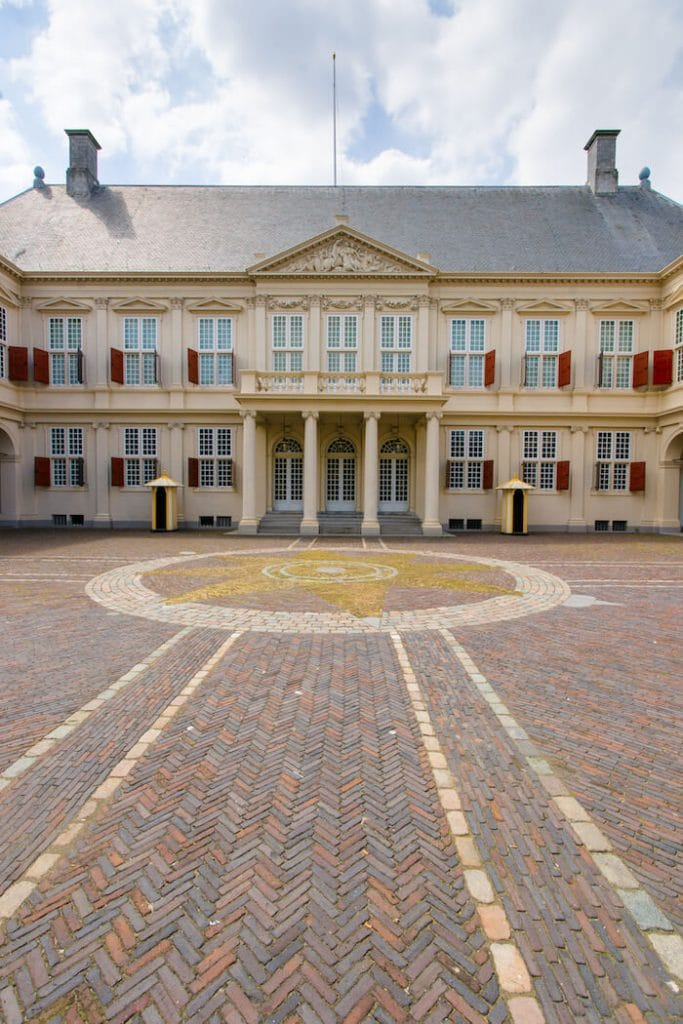 Noordeinde Palace in the Hague is one of the best things to do in the Hague. See this and other major highlights of the Hague on this self-guided biking tour of the Hague! #travel #palace #europe #thehague #denhaag #netherlands #nederland