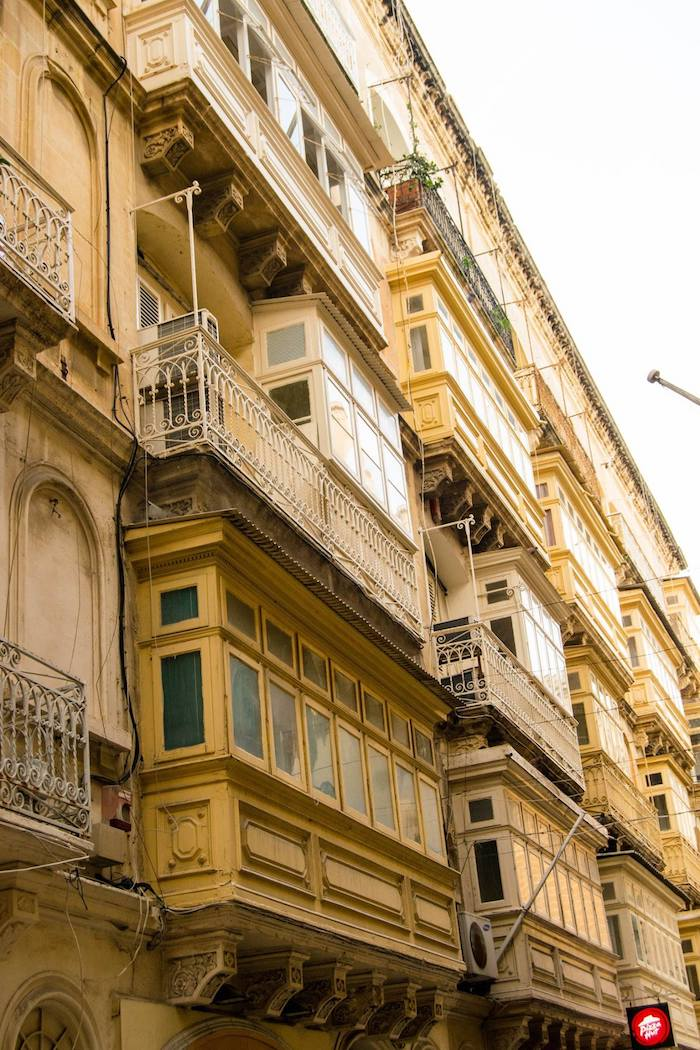 Architecture in Valletta Malta. Read about where to stay in Malta in the perfect Malta itinerary without a car for four days in Malta! #travel #Malta #europe #Valletta #architecture