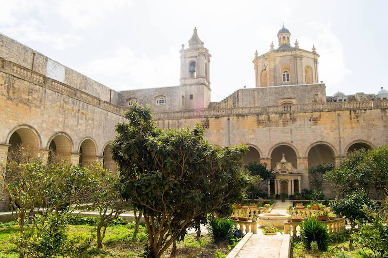 Gardens of St. Dominic's Priory, a key filming location of Game of Thrones in Malta and a must-see during your trip to Malta. Read the perfect Malta itinerary for three/four days in Malta with tips on what to do in Malta! #Malta #GameofThrones #Travel #Europe #Mdina