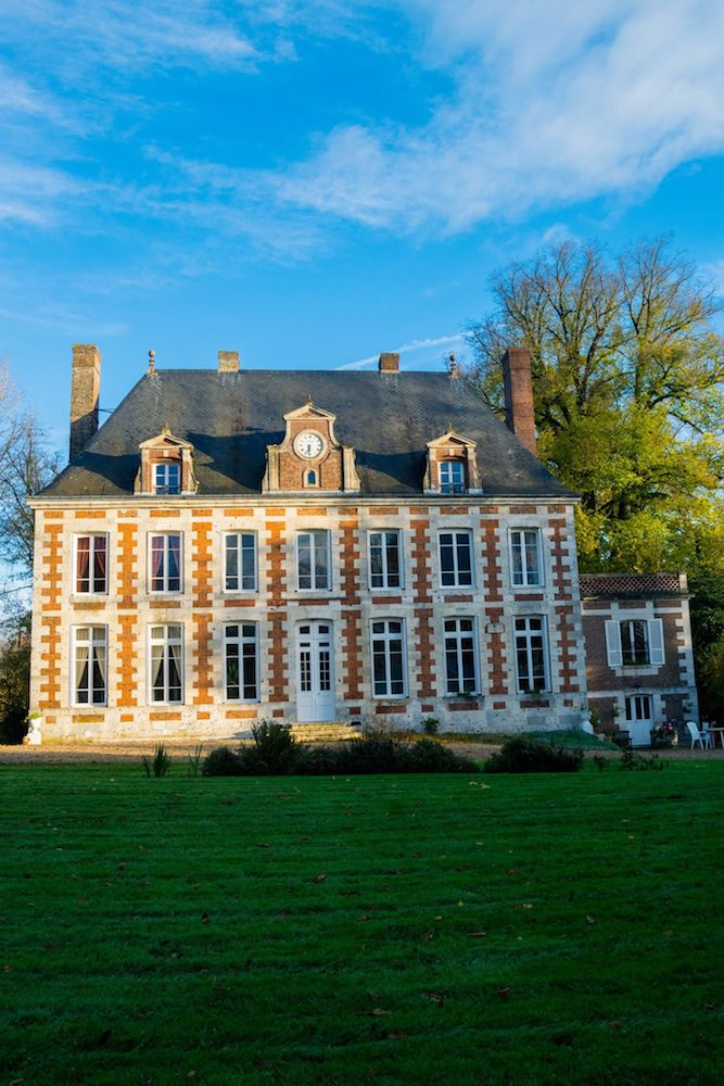An affordable chateau hotel in Normandy France. Read your perfect Normandy itinerary for visiting Normandy from Paris! #Normandy #Chateau #travel #France