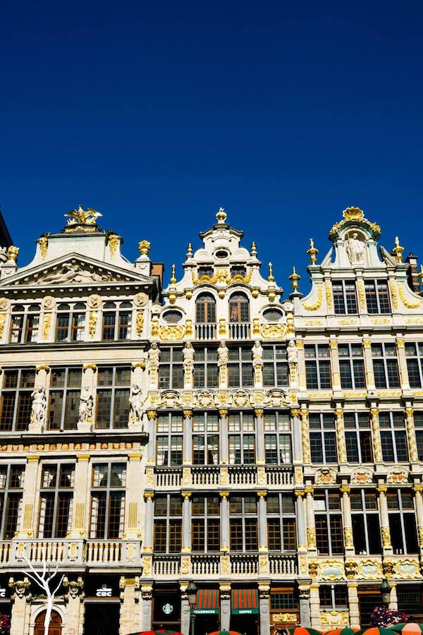 Grote Markt in Brussels, Belgium. Read why you need to include Brussels on your European trip and tips for creating the perfect Europe itinerary for your first trip to Europe! #travel #europe #Brussels #Belgium