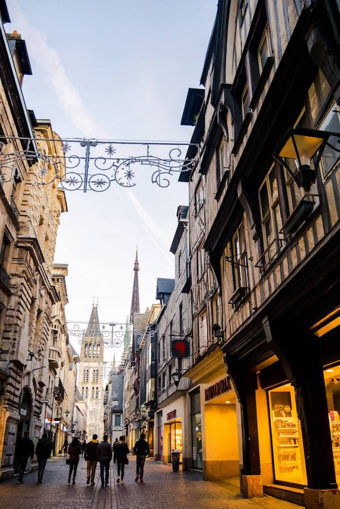 Beautiful medieval city center in Rouen, a city that you must include on your Normandy itinerary. #travel #normandy #rouen