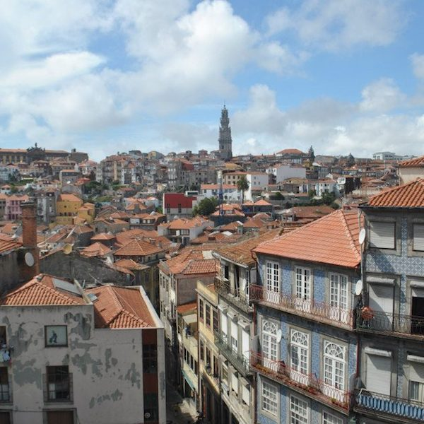 Beautiful houses in Porto, Portugal. Read why you should visit Porto during your European backpacking trip! #travel #europe #Portugal #porto