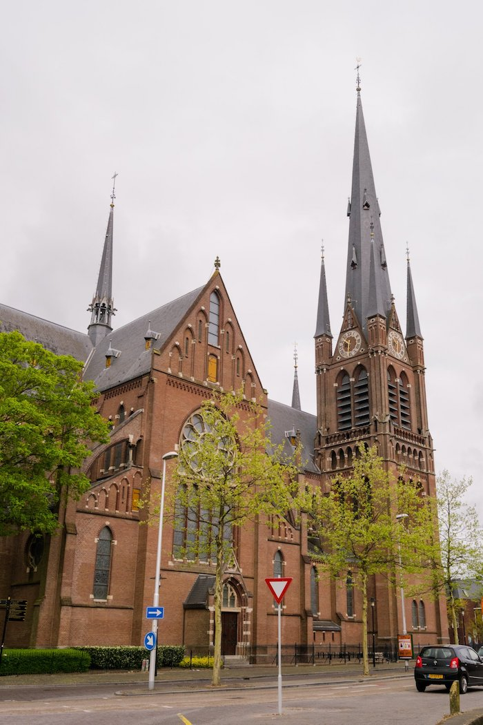 Iconic church of Woerden, the Netherlands. Read about what to do in Woerden and the Woerden cheese market! #utrecht #travel #netherlands
