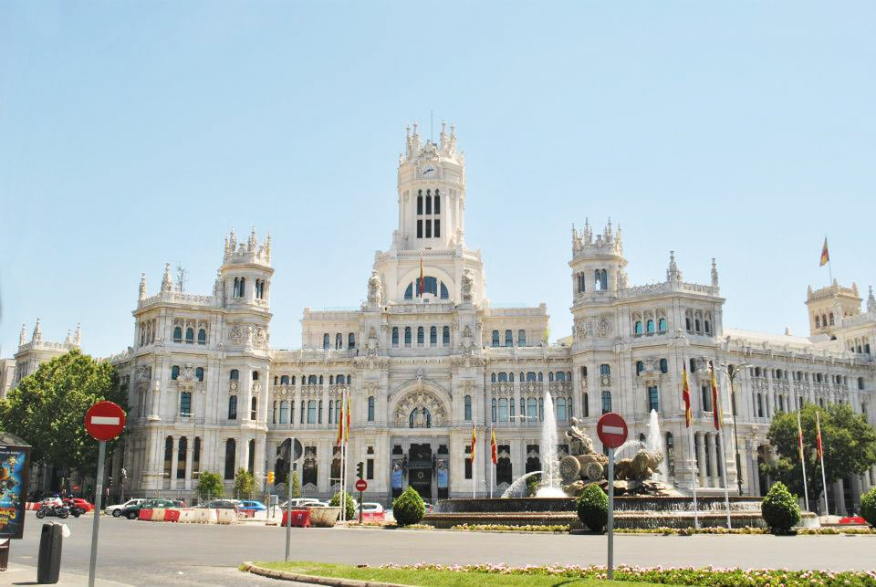 Palacio de Comunicaciones, one of the best cheap things to do in Madrid. Get more insider tips in this budget guide to Madrid. #travel #europe #madrid #spain