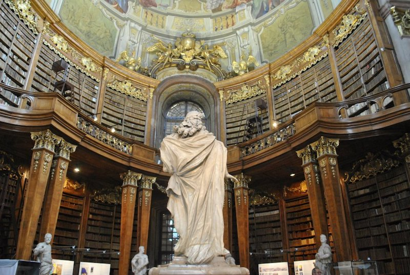Austrian National Library in Vienna, Austria. This stunning library is a literature lover's dream and must be included on your European itinerary! #europe #austria #litlover #vienna