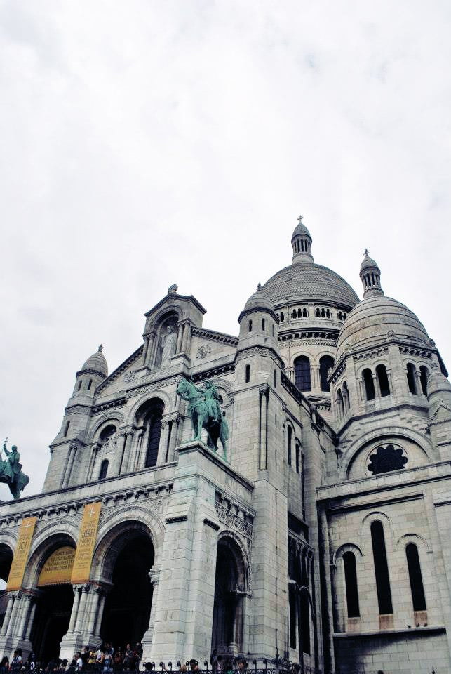 Sacre Coeur, one of the most famous churches in Paris. This church is located in Montmartre. Read the perfect self-guided walking itinerary for Montmartre! #Paris #France #travel