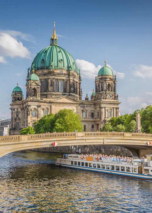 Museum Island on Berlin, one of the best places to visit in Berlin. You must include Berlin on your European itinerary! Read your perfect plan for where to go in Europe! #Europe #Berlin #travel #Germany