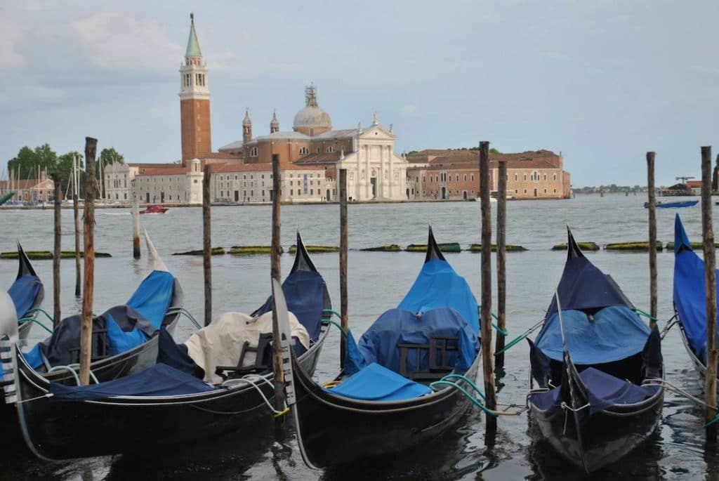 Planning your trip to Europe? Your packing list for Europe in two weeks with a carry-on friendly packing list for Europe! #travel #europe #Venice
