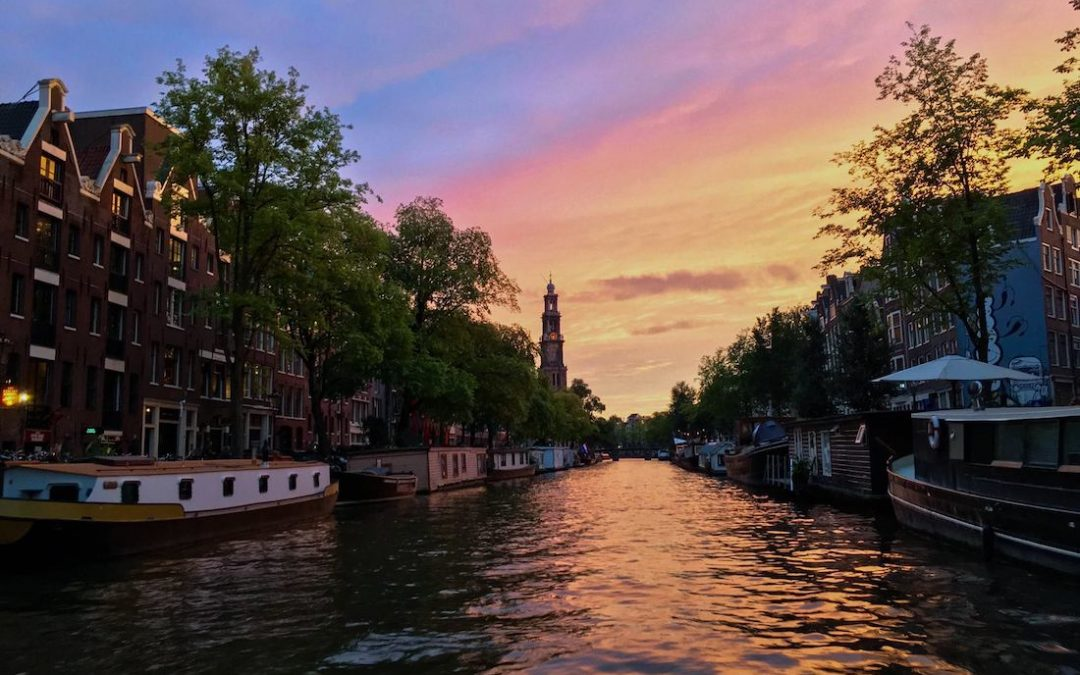 20 things that you need to know before you travel in the Netherlands by a Dutch resident