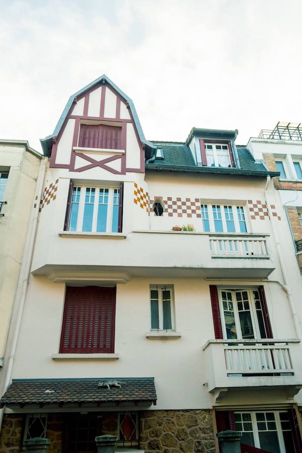 Beautiful '20s house in Paris. Read where to go in Paris during your four day trip to Paris (or longer) with tips for the best things to do in Paris. #travel #paris #france