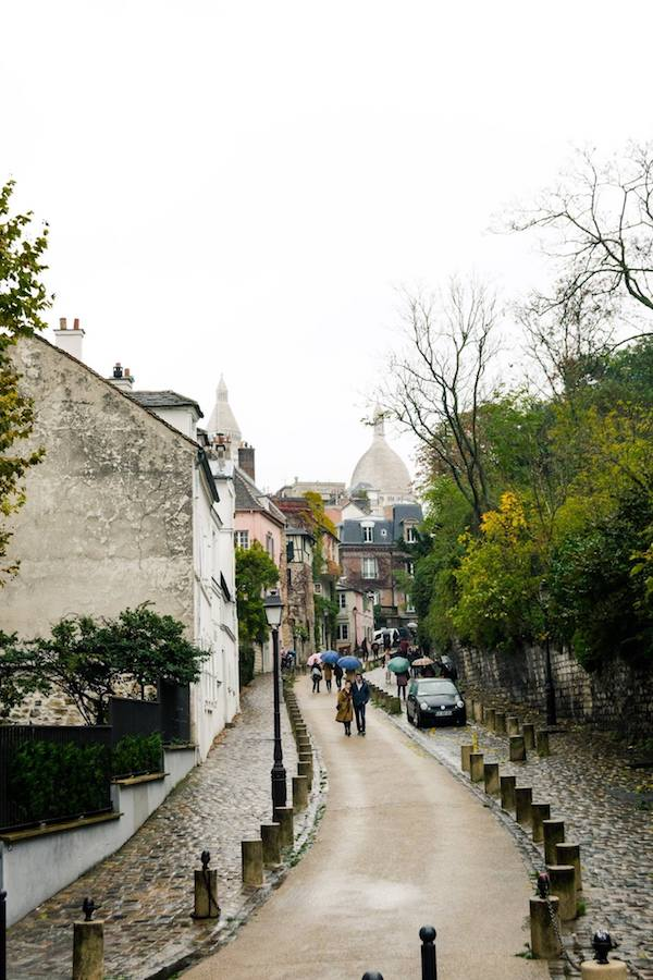 Streets of Montmartre, Paris. Read where to go during four days in Paris in this Paris itinerary with insider tips for Paris! #travel #Paris #europe #france