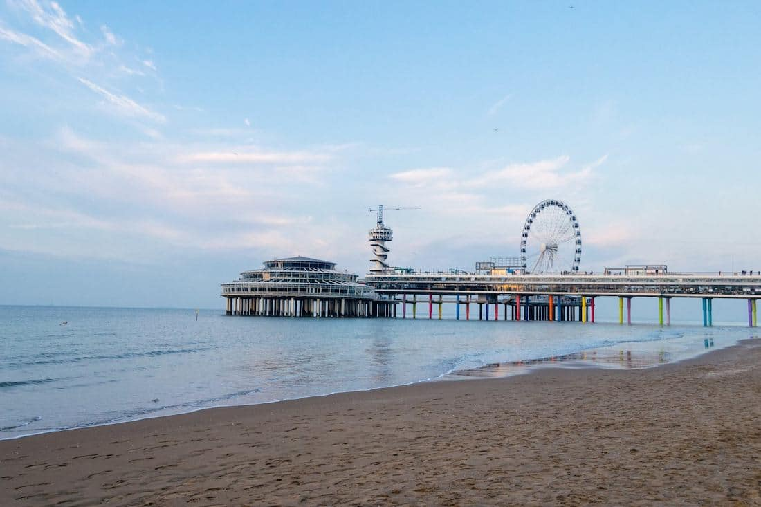 Your guide to Scheveningen beach and beyond written by a resident. Read what to do in Scheveningen and where to eat in Scheveningen!