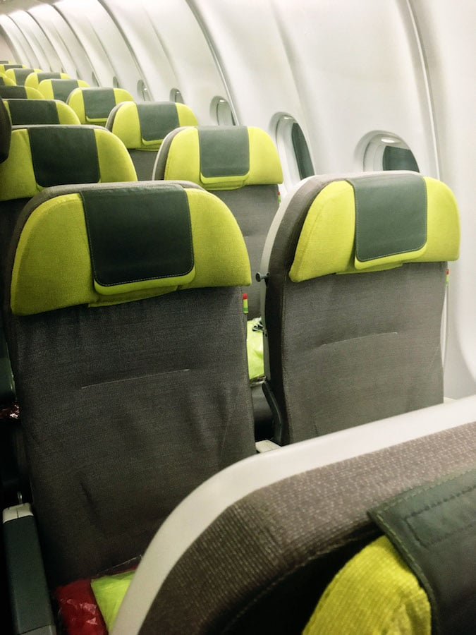 Seats on TAP Portugal Airlines flight from New York to Lisbon. Read a review of flying with TAP Airlines from the United States to Lisbon. #travel #airlines #TAP #Portugal