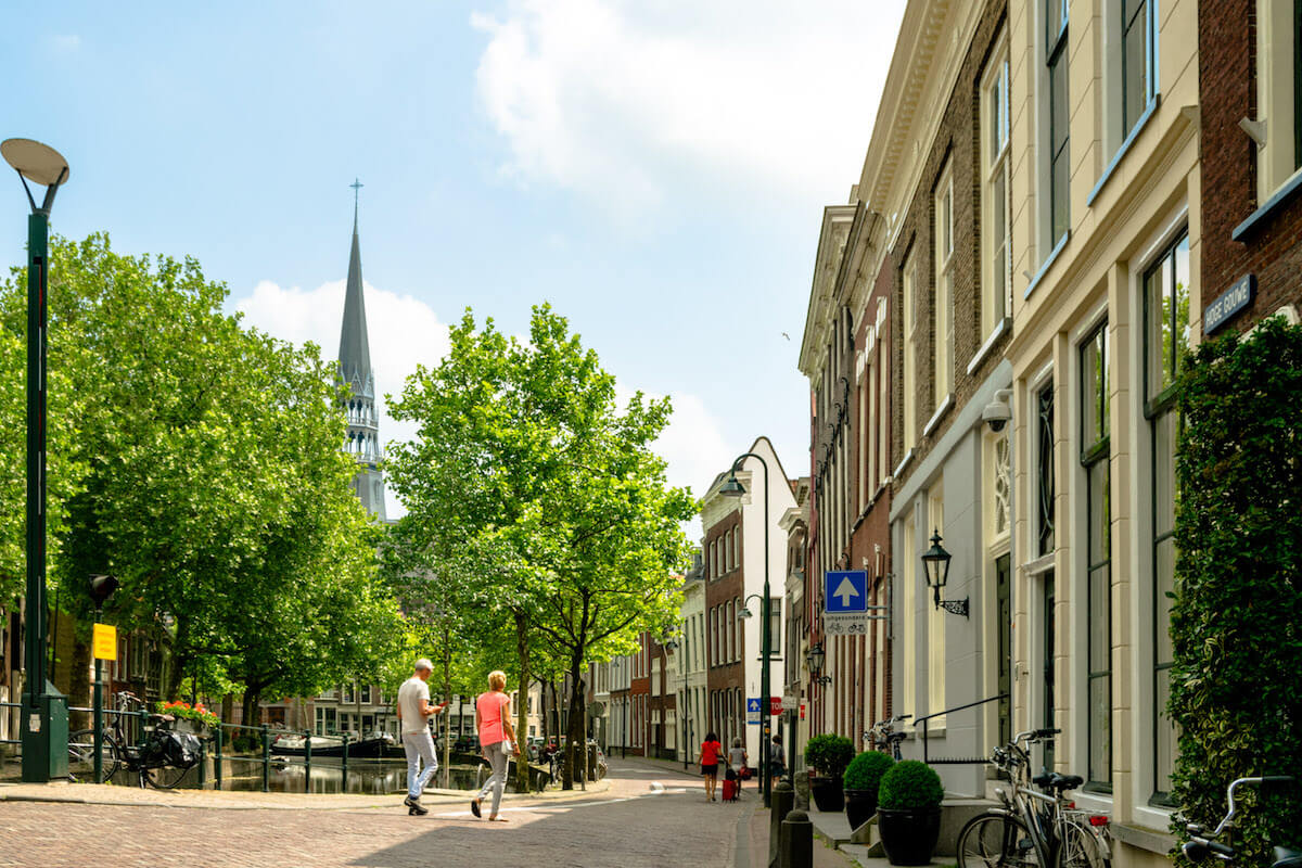Beautiful streets in the Gouda city center. A stadswandeling through Gouda is one of the best things to do in Gouda. #travel #gouda #netherlands