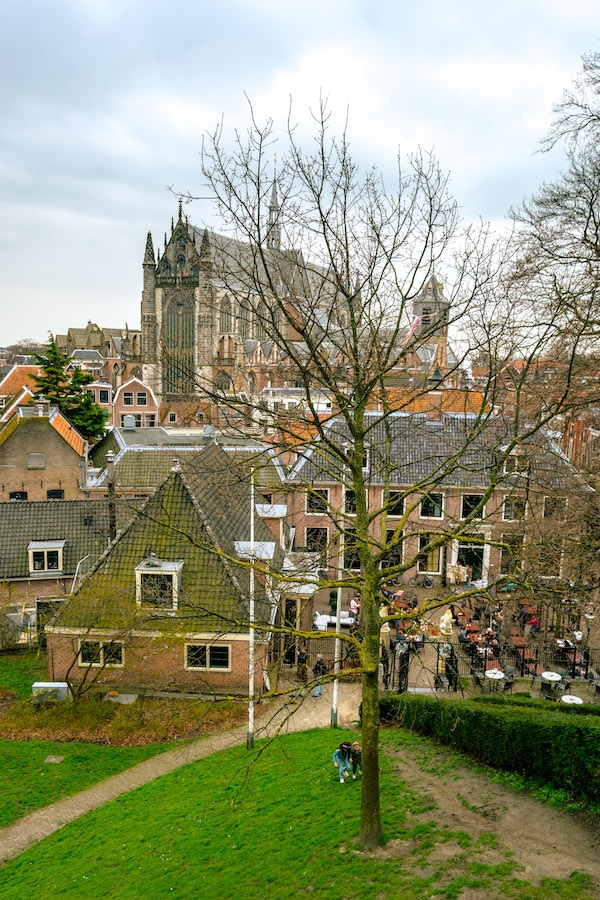 View from de Burcht, the castle of Leiden. Read what to do in Leiden in one day in your perfect day trip guide! #travel #leiden #holland #netherlands