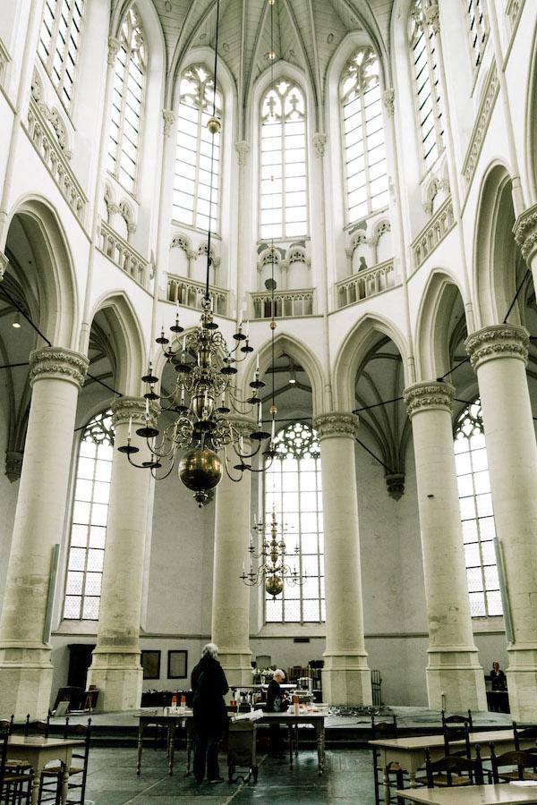 Interior of Hooglaandenkerk, one of Leiden's most beautiful churches. Read about the best things to do in Leiden! #travel #leiden #holland #kerk #netherlands