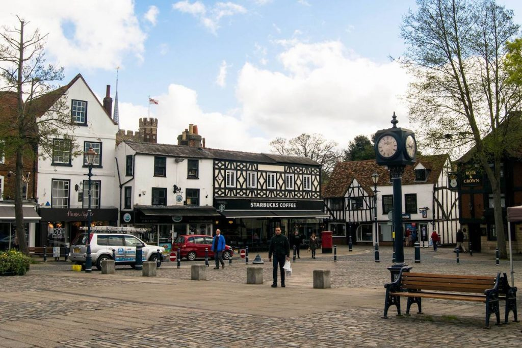 The beautiful English market town of Hitchin, only a day trip from London and Luton Airport! #travel #london
