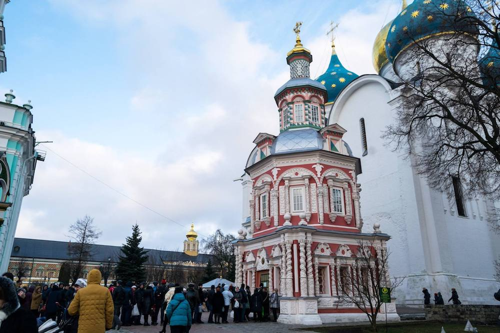 Crowds waiting for entry at Troitse-Sergiev Monastery, one of the most famous Russian Orthodox monasteries. #russia