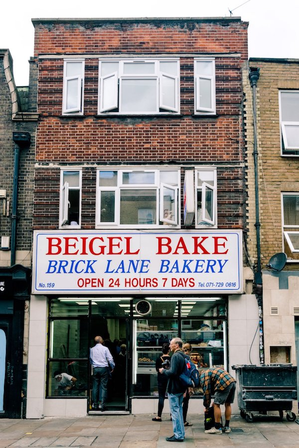 Beigel Bake, a London institution that you'll want to visit along this London walking tour! #travel #london #uk