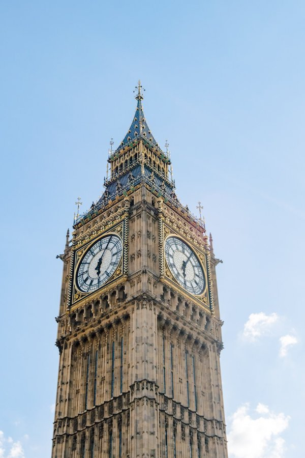 Big Ben, one of the most iconic buildings in London that you must see if you only have one day in London! See your perfect day in london! #london #england #UK #travel