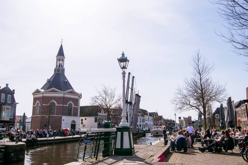 Canal Near Leidschendam, one of the cute towns to visit near the Hague. #Holland