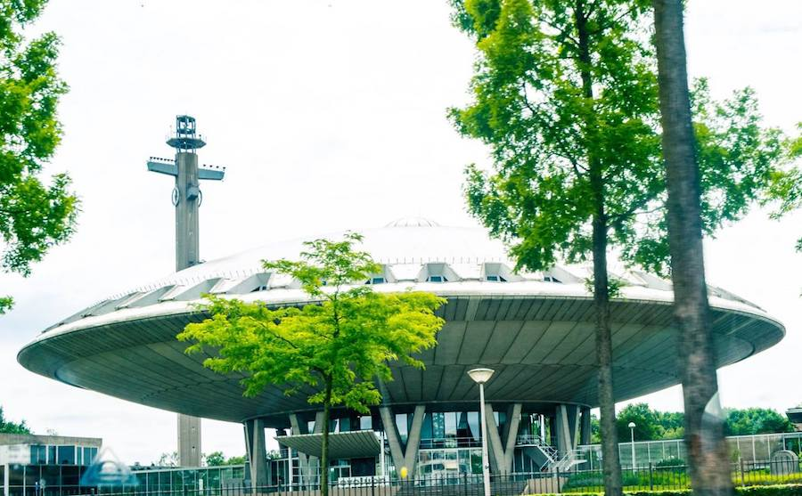 Crazy UFO-shaped structure in Eindhoven, the Netherlands that is used for conferences. #eindhoven