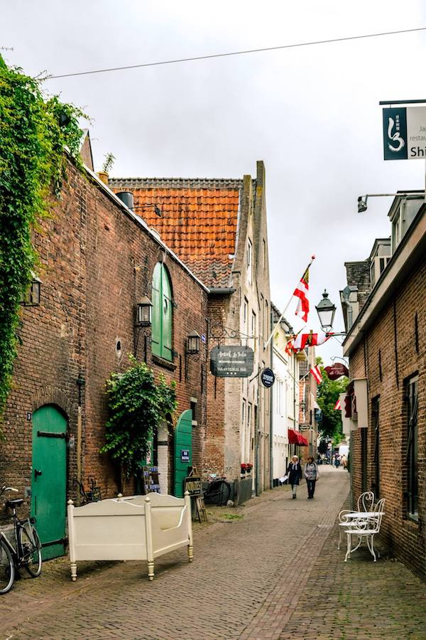 Uilenburg / Molenstraat in Den Bosch: The most beautiful street in Den Bosch (?). #travel #nederland #DenBosch #netherlands