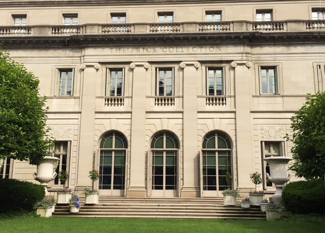 The front lawn of the Frick Museum, one of the best museums on the Upper East Side