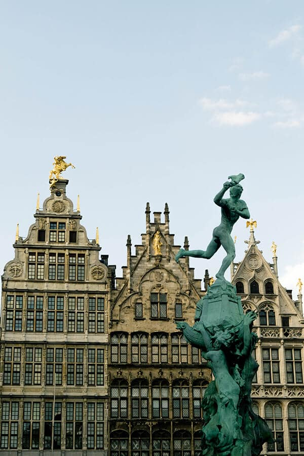 View of Het Pand van Spanje, one of the most famous buildings in the Grote Markt in Antwerp, Belgium. Antwerp is a beautiful weekend away from the Netherlands! #travel