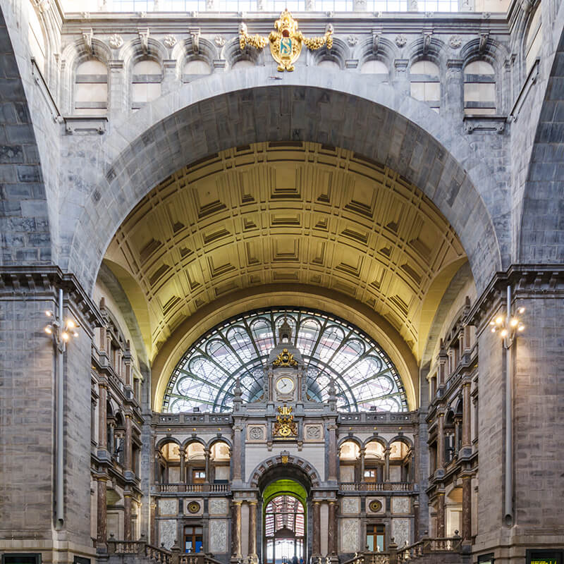 View of Antwerp Centraal, the beautiful train station in Antwerpen that you cannot miss on your Antwerpen itinerary. #travel #antwerp #antwerpen